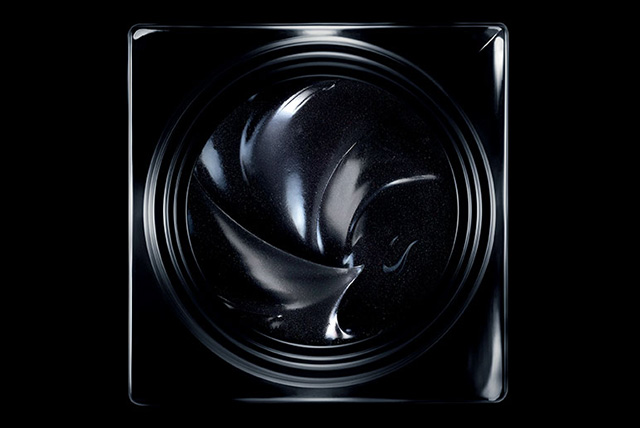 Black Gold: Givenchy released the second generation of care Le Soin Noir (photo 2)