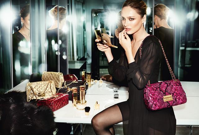 Саша Пивоварова в рекламной кампании Michael Kors Collection (фото 1)