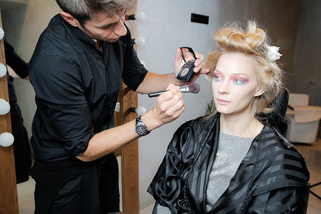 Точная копия: Светлана Ходченкова в образе с показа Chanel (фото 4)