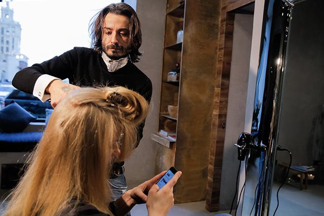 Точная копия: Светлана Ходченкова в образе с показа Chanel (фото 8)
