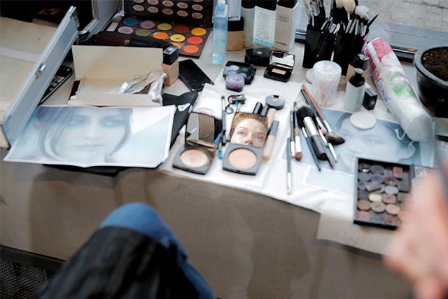 Точная копия: Светлана Ходченкова в образе с показа Chanel (фото 2)