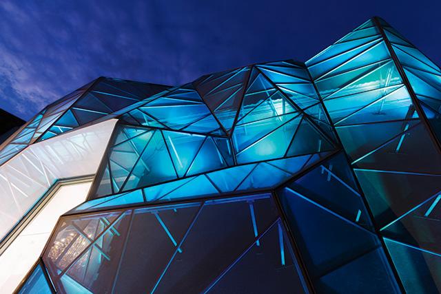 Да будет свет: архитектурные эксперименты с иллюминацией зданий (фото 5)