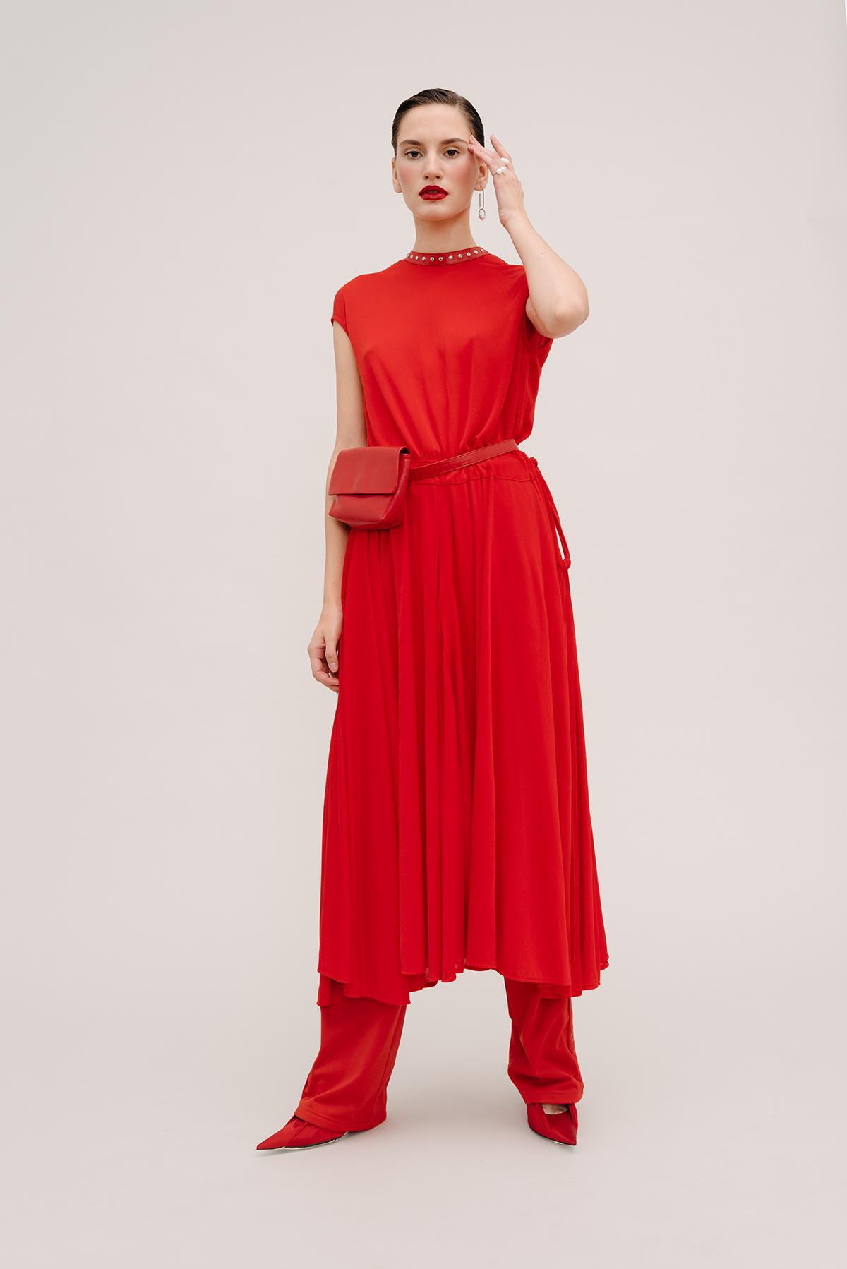 Как носить красные вещи: 5 образов (фото 1)