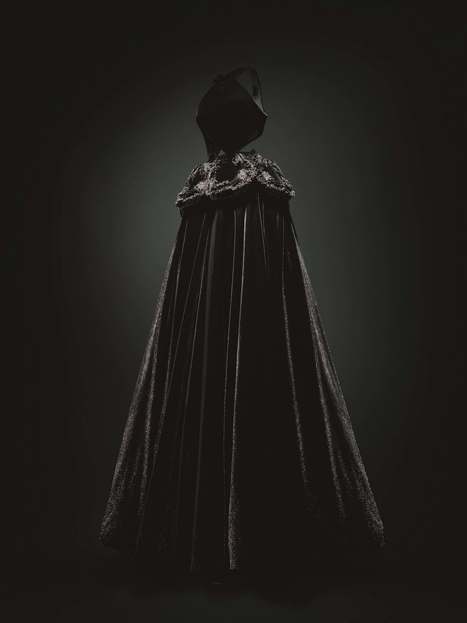 Из чего состоит выставка архивов Аззедина Алайи «Je suis couturier» (фото 3)