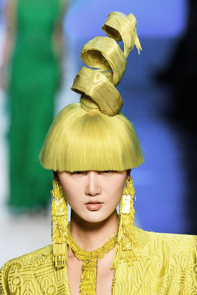 Прически с Недели высокой моды в Париже (фото 4)