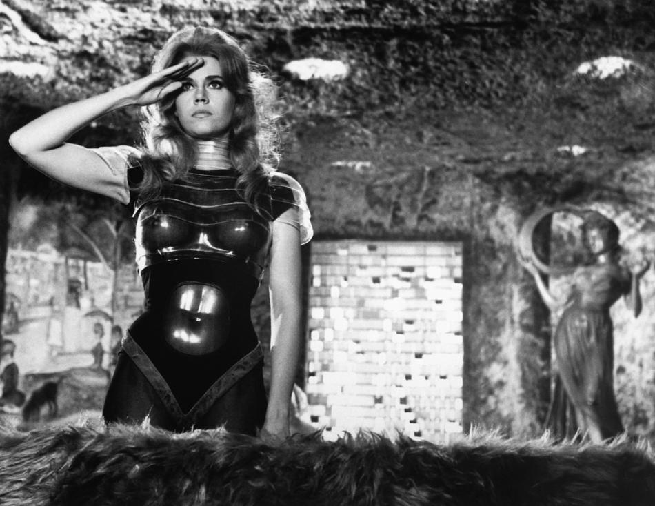 Барбарелла — первая женщина в космосе в Paco Rabanne (фото 4)