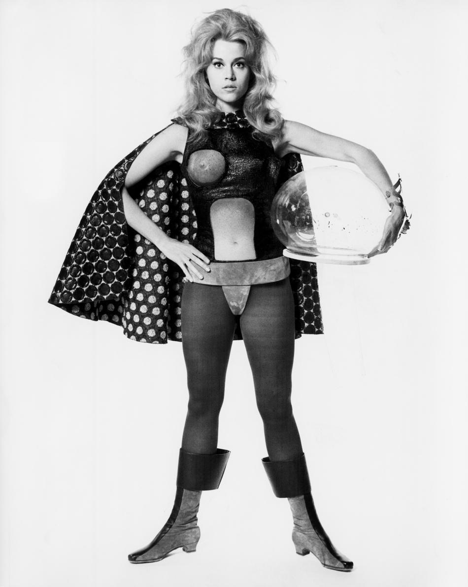 Барбарелла — первая женщина в космосе в Paco Rabanne (фото 6)