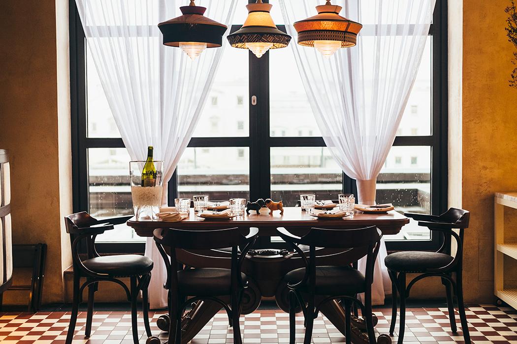 Все о ресторане Buro TSUM: как найти, что попробовать, есть ли завтраки и веранда (фото 1)