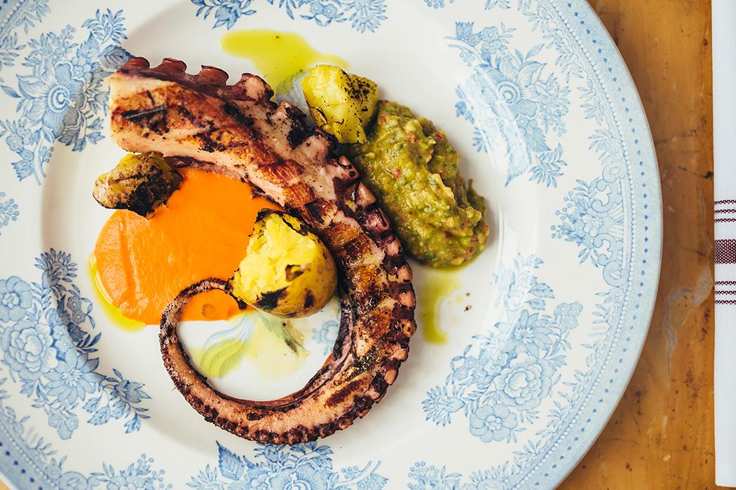 Все о ресторане Buro TSUM: как найти, что попробовать, есть ли завтраки и веранда (фото 12)