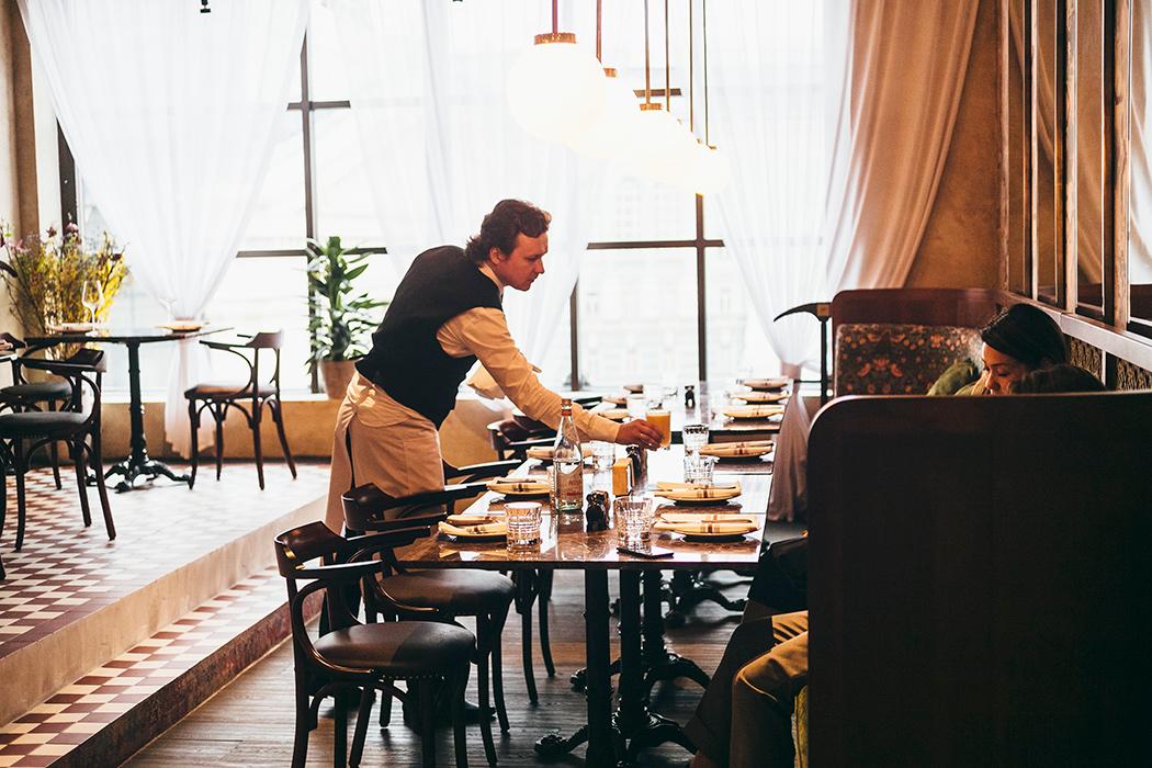 Все о ресторане Buro TSUM: как найти, что попробовать, есть ли завтраки и веранда (фото 18)