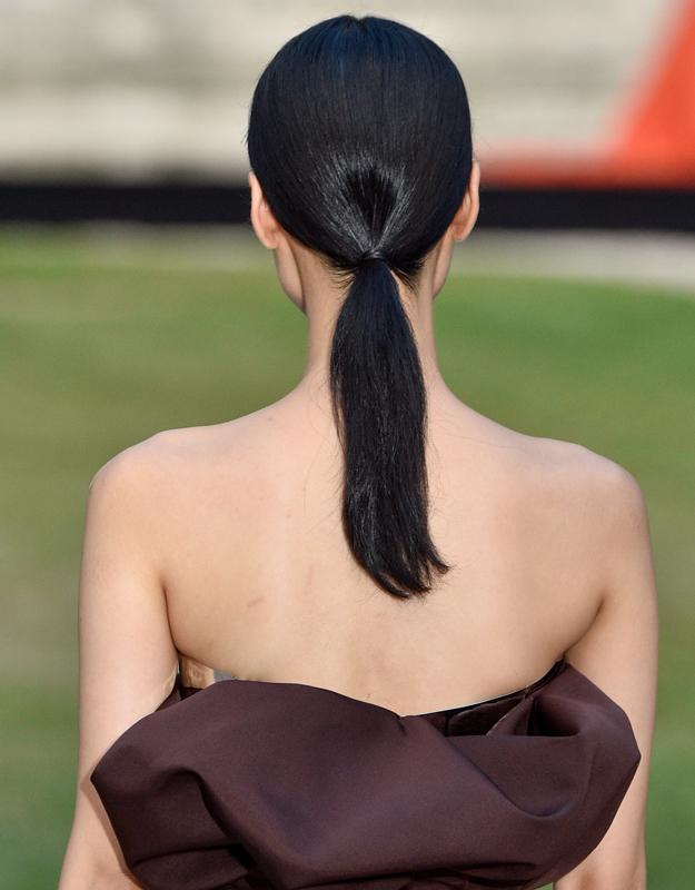 Неделя высокой моды в Париже, осень-зима 2018: тенденции в прическах (фото 4)
