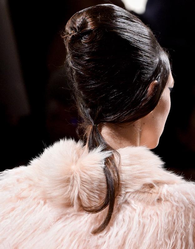 Неделя высокой моды в Париже, осень-зима 2018: тенденции в прическах (фото 6)