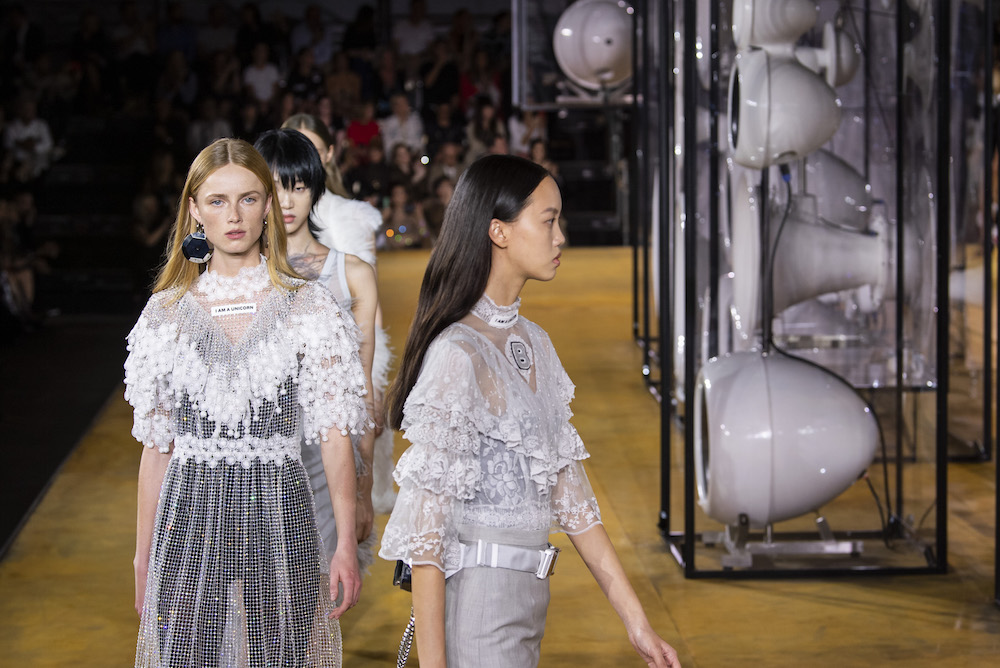 Gucci, Nike и другие бренды собираются стать «углеродно-нейтральными компаниями». Что это значит? (фото 4)