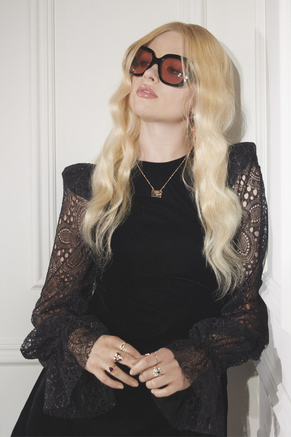 H&M и бренд Сьюзи Кейв The Vampire's Wife сделали коллаборацию (фото 1)