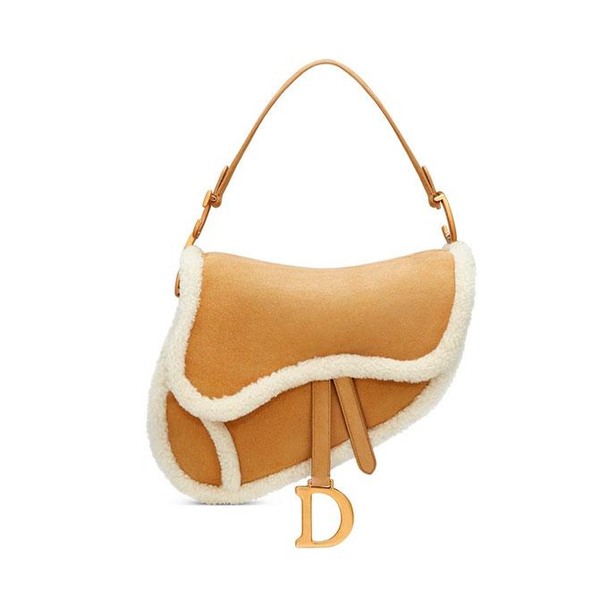 Dior выпустил новую версию сумки-седла — теперь она из овчины (фото 1)