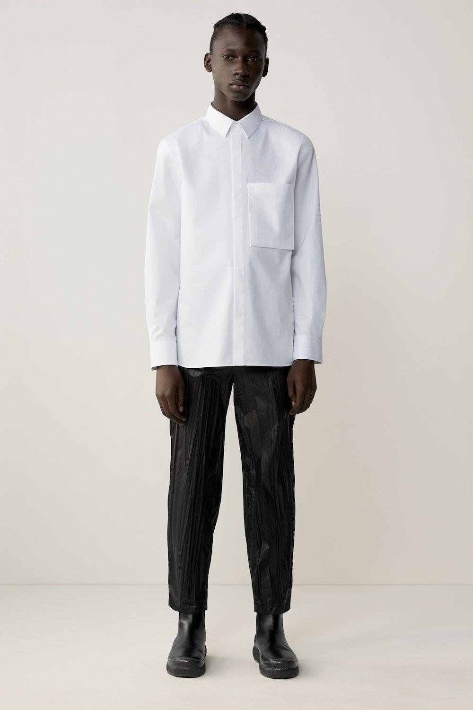 «У одежды должна быть функция». Интервью с директором мужской линии COS (фото 1)