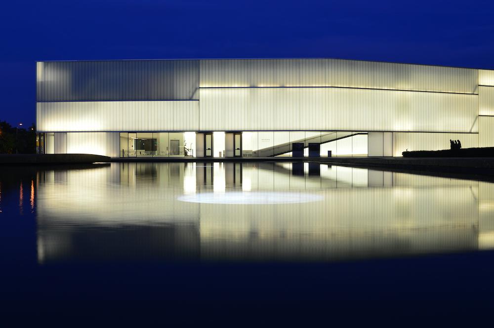 Сила света: 6 лучших примеров новой стеклянной архитектуры (фото 5)