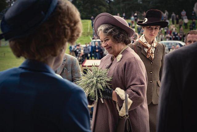Королевской семье Великобритании не понравился четвертый сезон «Короны» (фото 5)