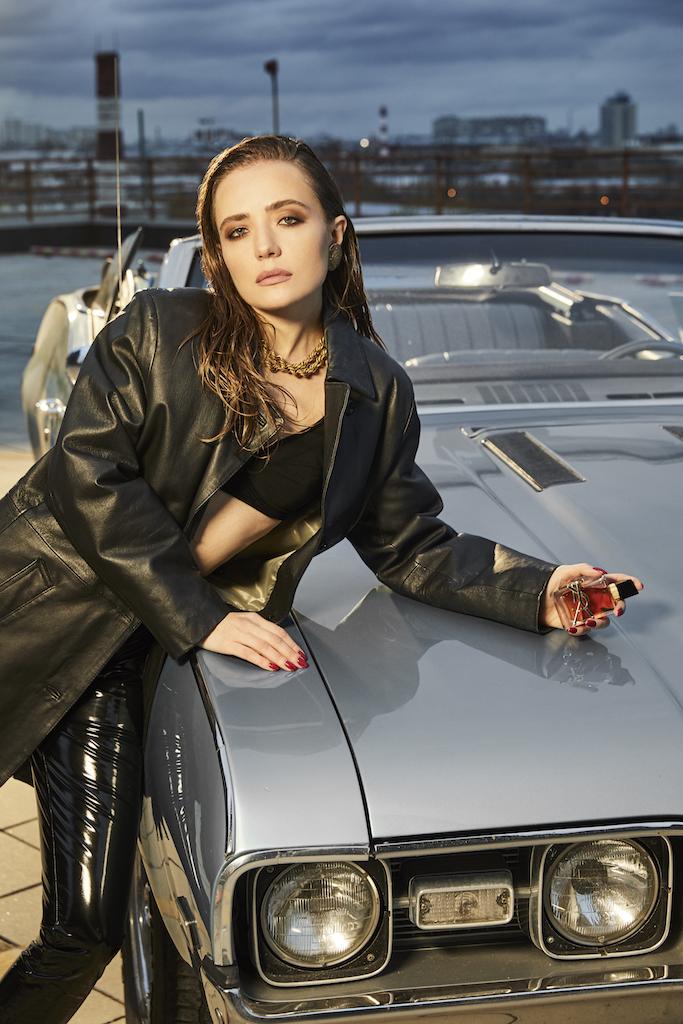 Дочь Ренаты Литвиновой приняла участие в проекте к выходу нового аромата Yves Saint Laurent (фото 9)