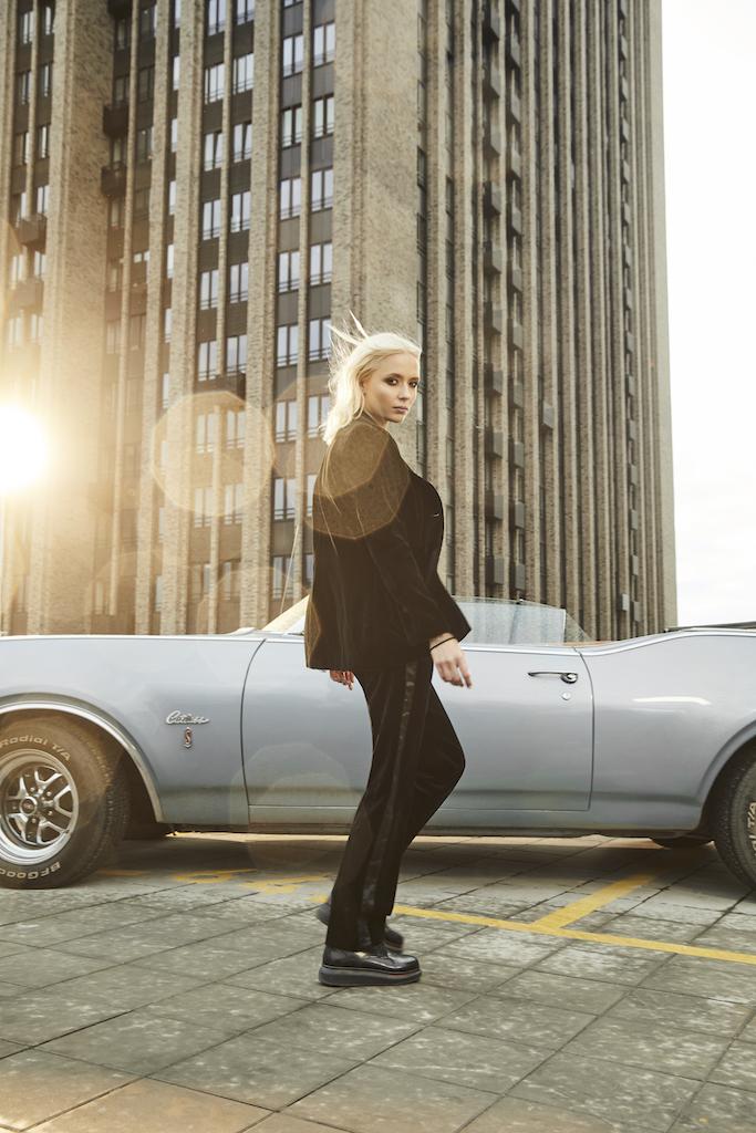 Дочь Ренаты Литвиновой приняла участие в проекте к выходу нового аромата Yves Saint Laurent (фото 12)