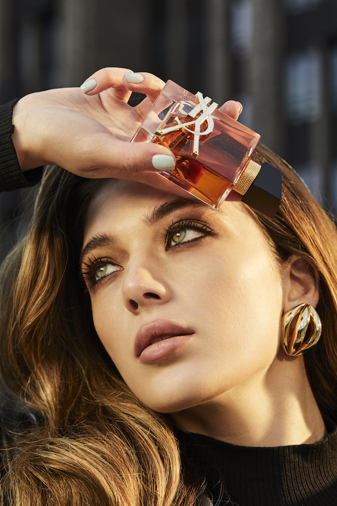 Дочь Ренаты Литвиновой приняла участие в проекте к выходу нового аромата Yves Saint Laurent (фото 14)