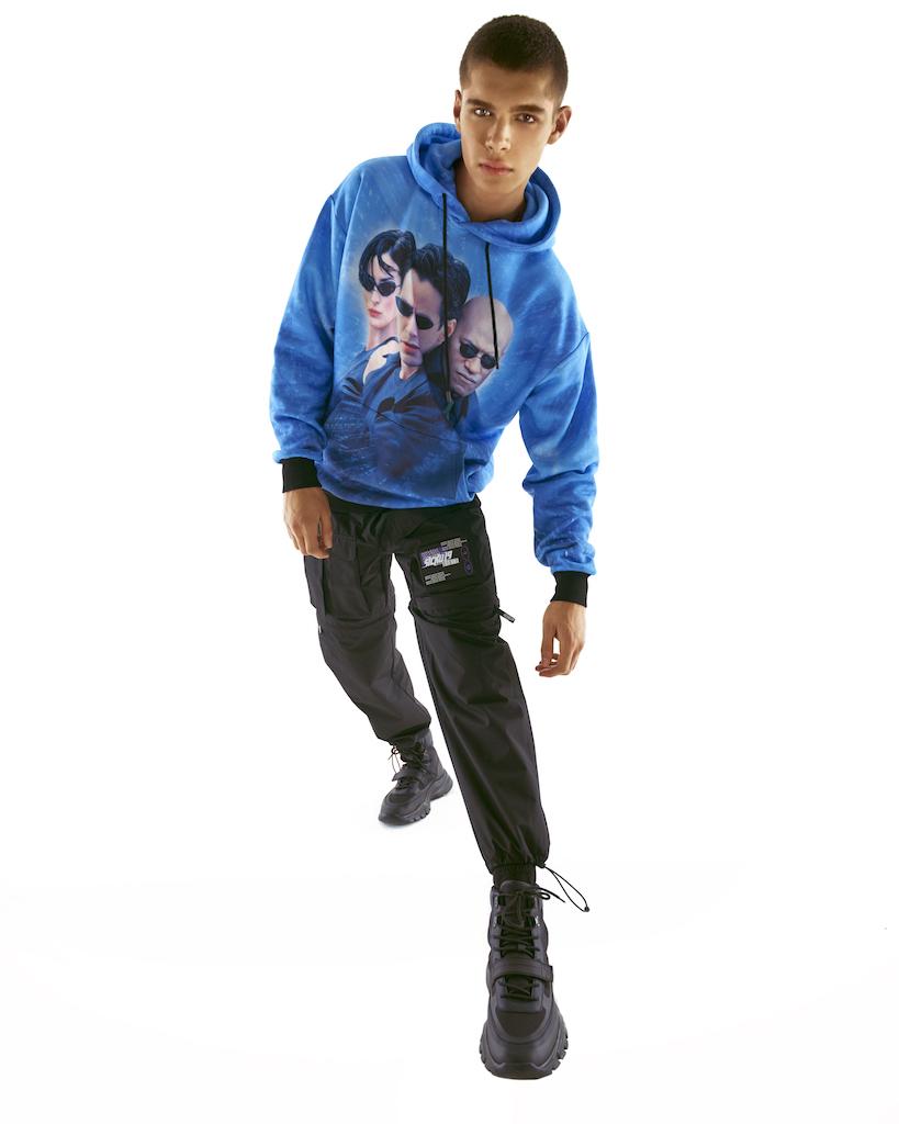 Pull & Bear выпустил рубашки и куртки с кадрами из «Матрицы» (фото 4)