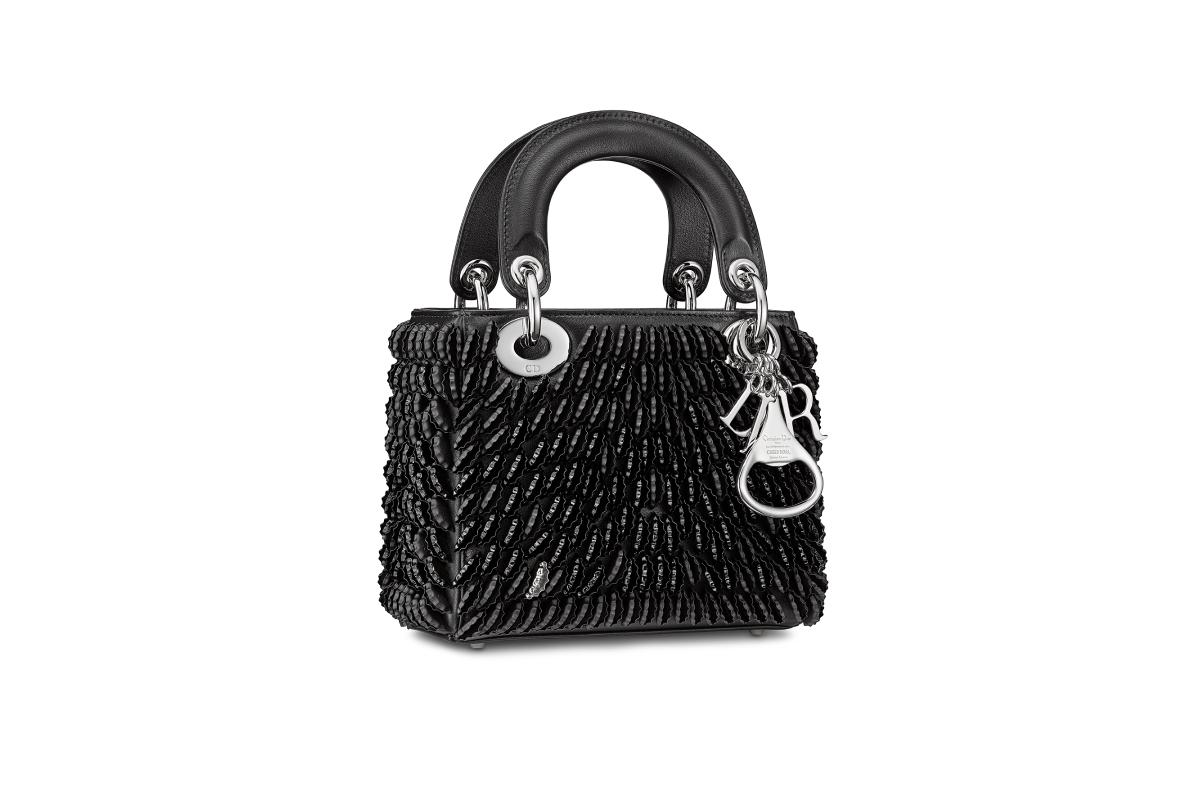 В Москве появились новые арт-сумки Lady Dior (фото 5)