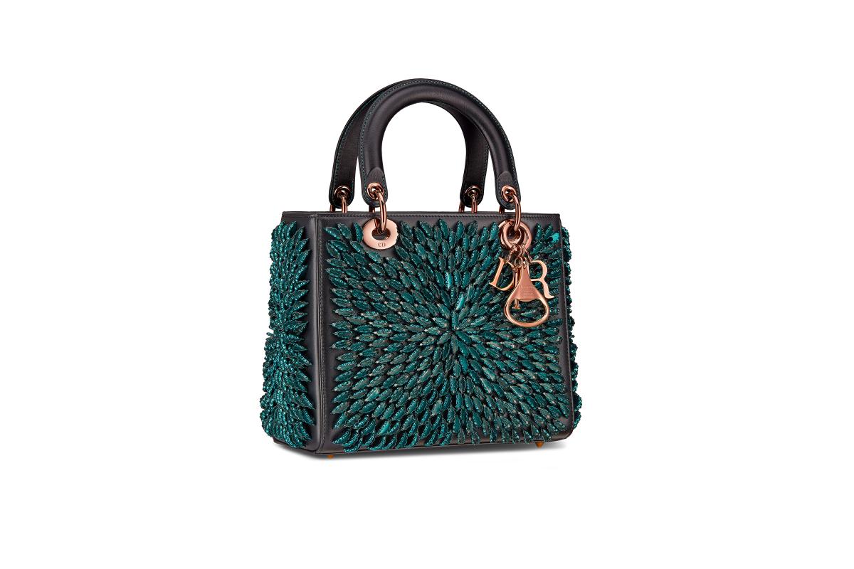 В Москве появились новые арт-сумки Lady Dior (фото 4)