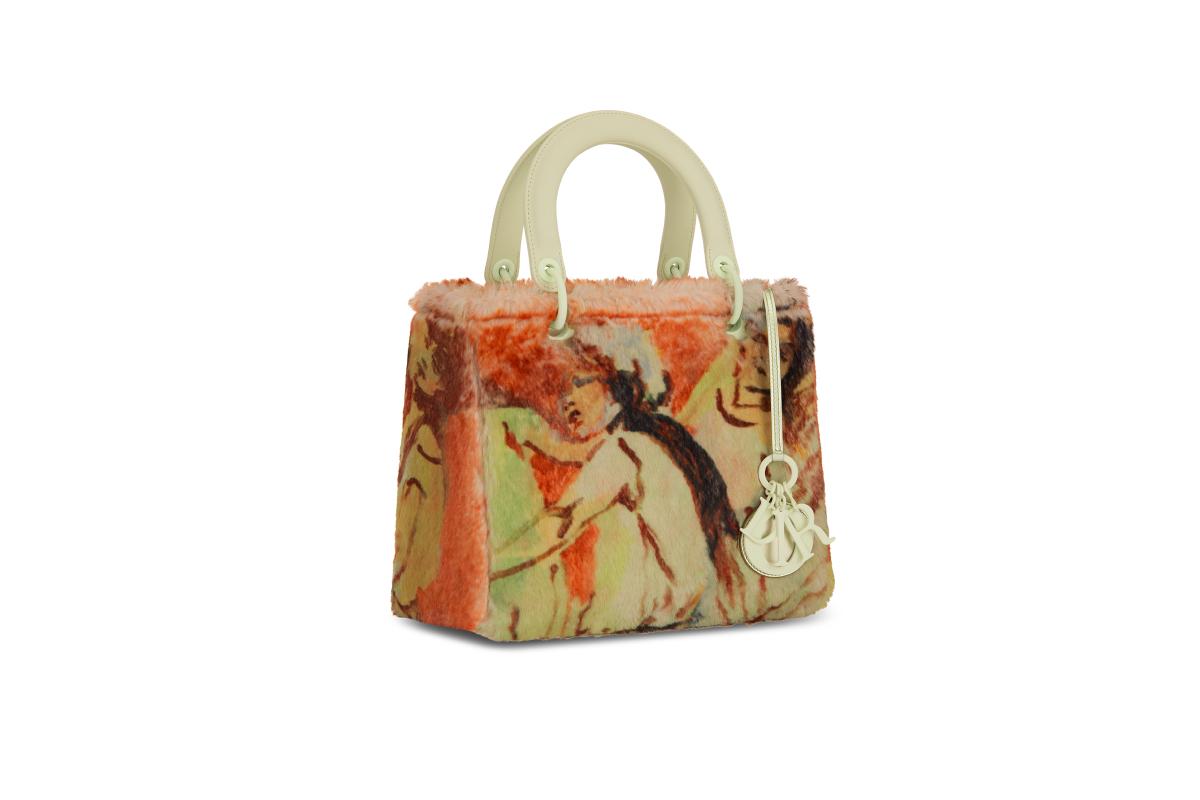 В Москве появились новые арт-сумки Lady Dior (фото 7)