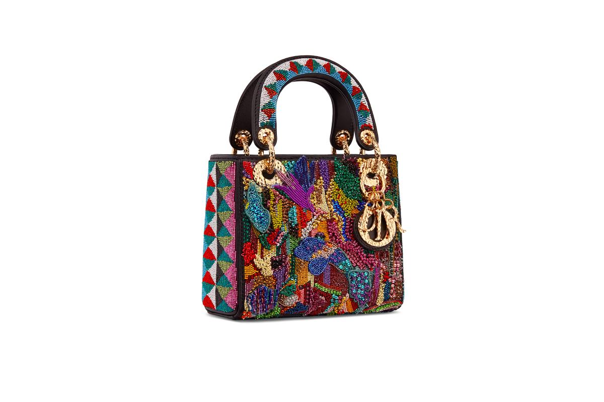 В Москве появились новые арт-сумки Lady Dior (фото 15)