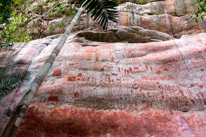 В Колумбии обнаружили наскальные росписи, сравнимые с фресками Cикстинской капеллы (фото 1)