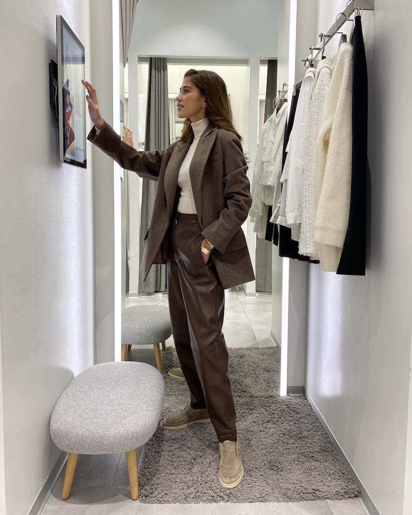 12Storeez открыл свой первый магазин с интерактивными примерочными (фото 1)