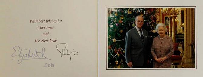 В Сети появились коллекционные рождественские открытки Елизаветы II (фото 11)