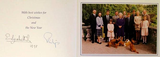 В Сети появились коллекционные рождественские открытки Елизаветы II (фото 9)