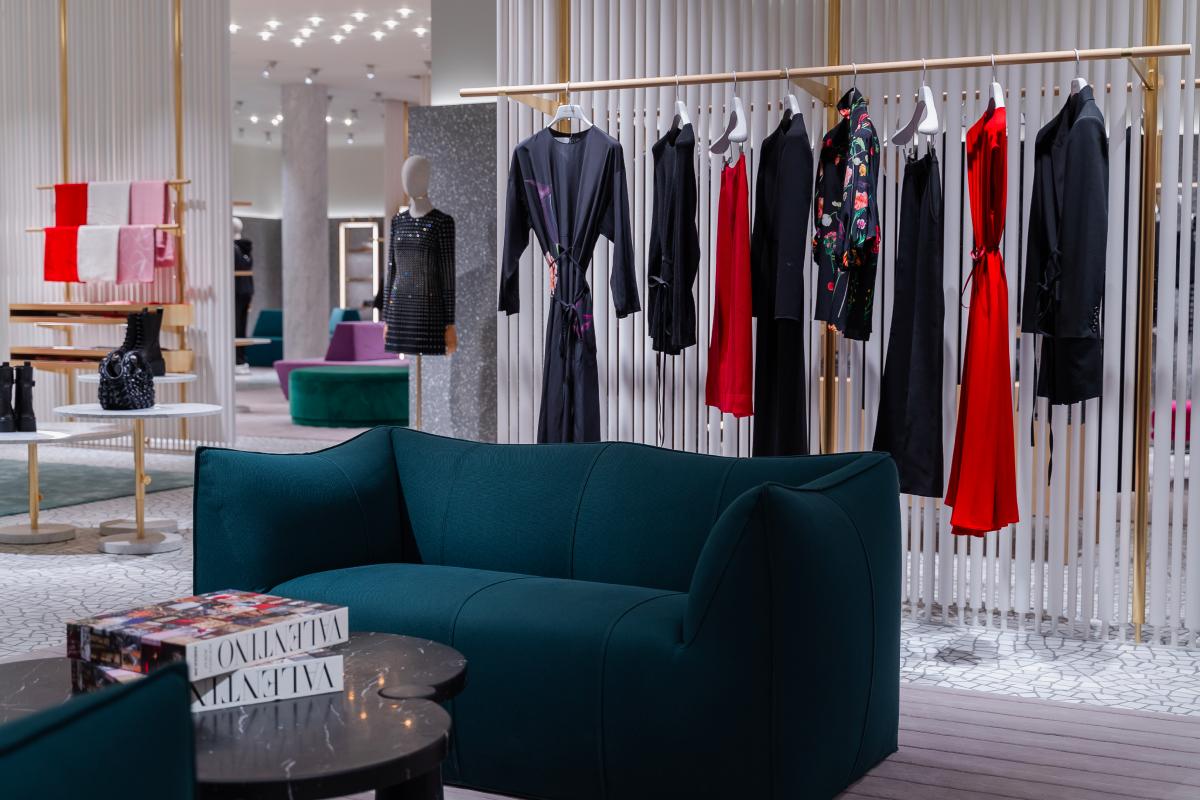 В «БарвихеLuxuryVillage» открылся обновленный бутик Valentino (фото 4)