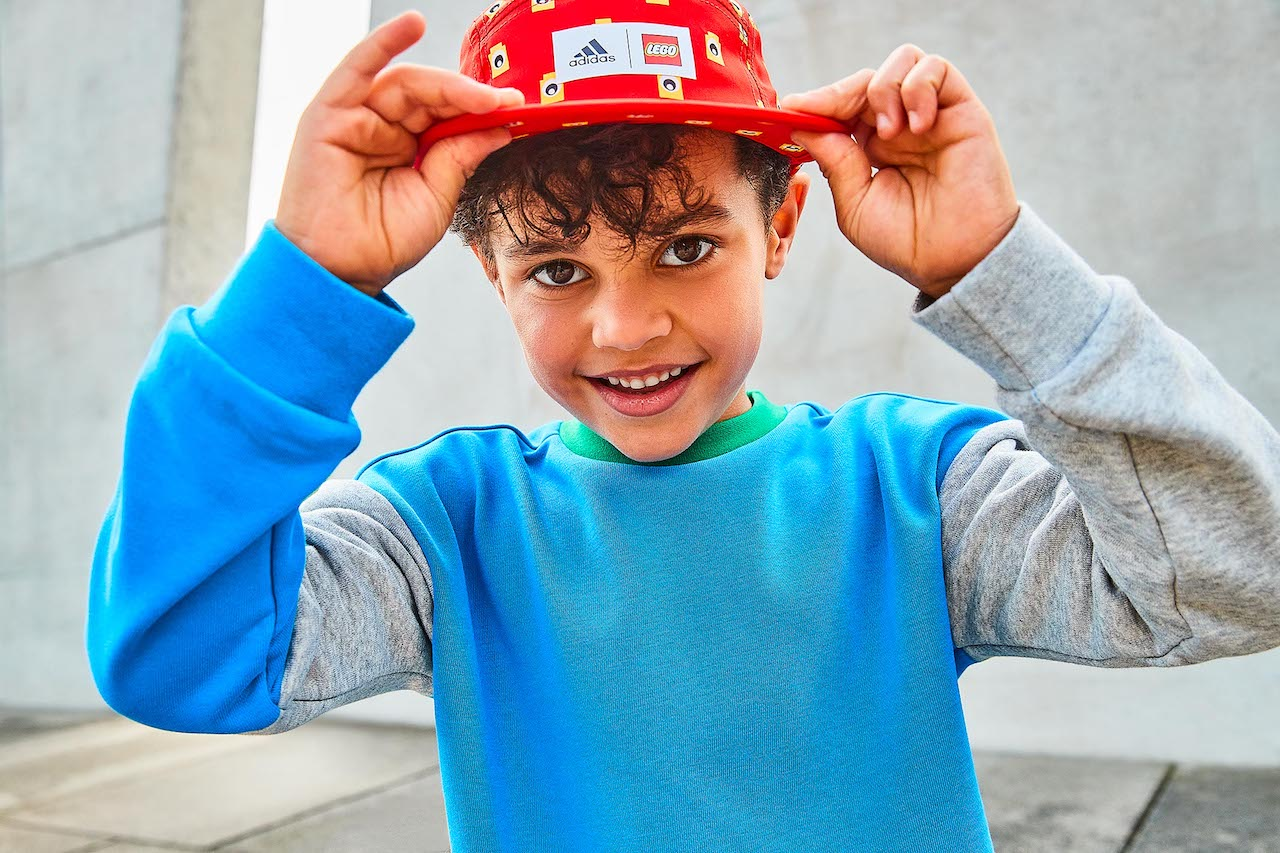 adidas и Lego выпустили совместную коллекцию детской одежды (фото 1)