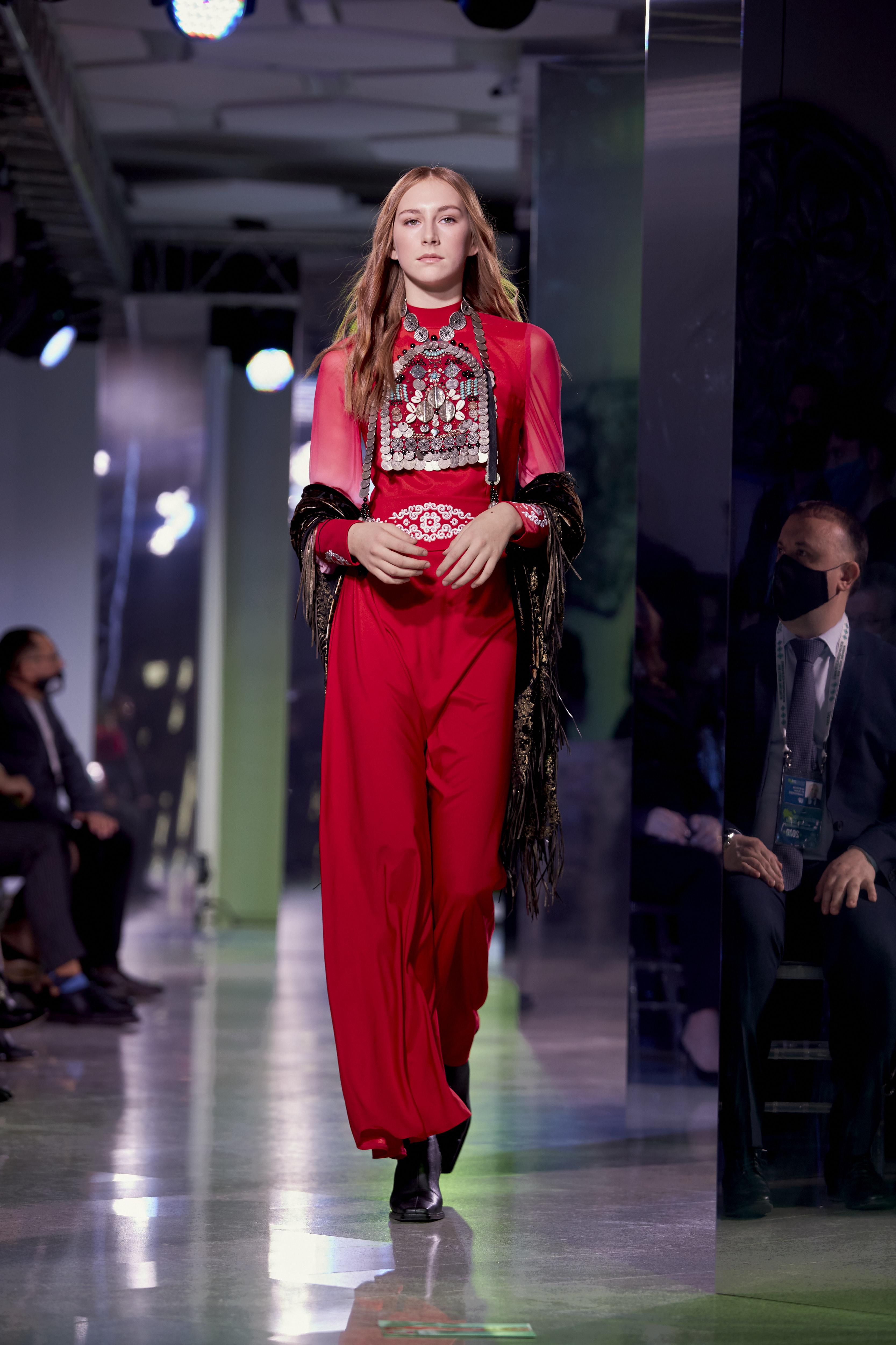 Cosmopolitan провел в Уфе показ «Мода без границ» (фото 18)