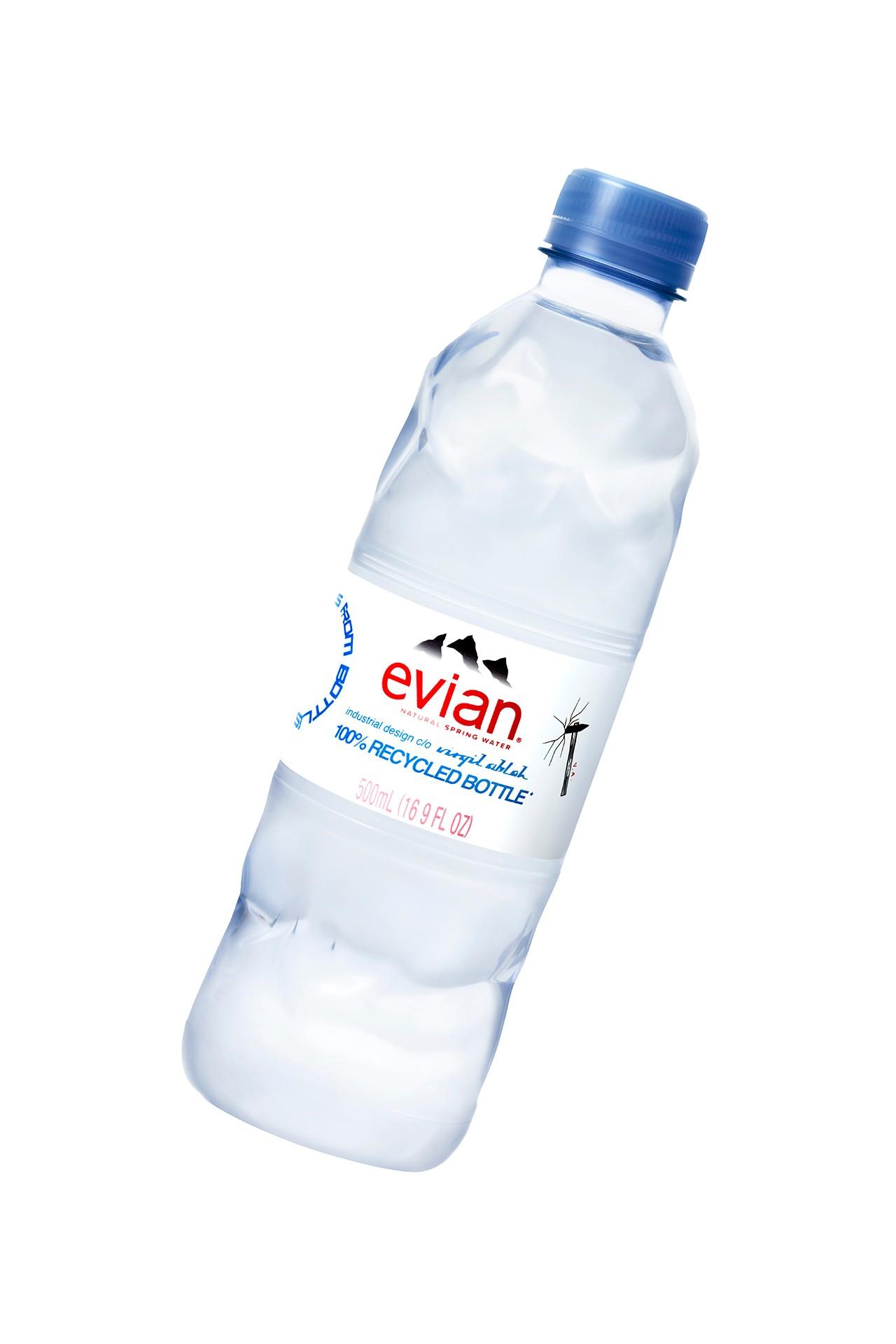 Вирджил Абло разработал новый дизайн бутылки воды Evian (фото 2)