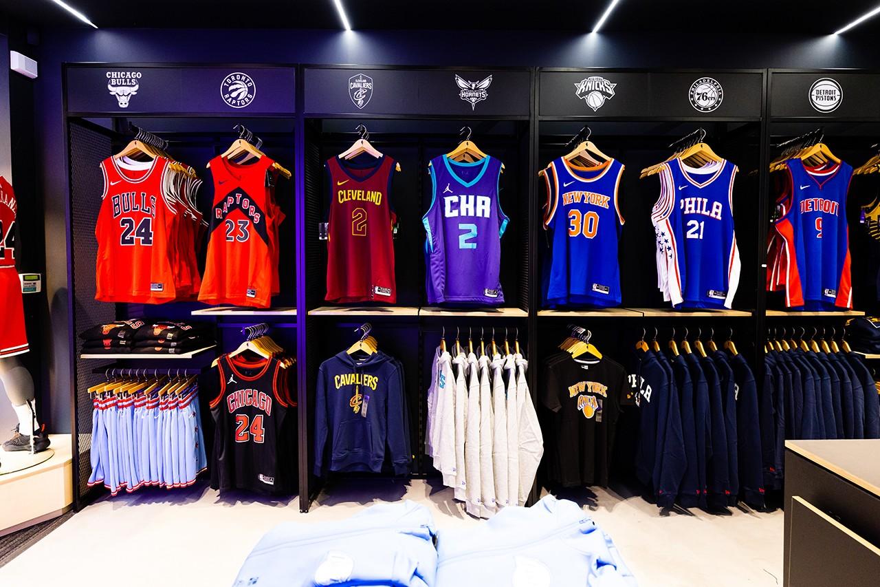 Первый флагманский магазин NBA открылся в Великобритании (фото 3)