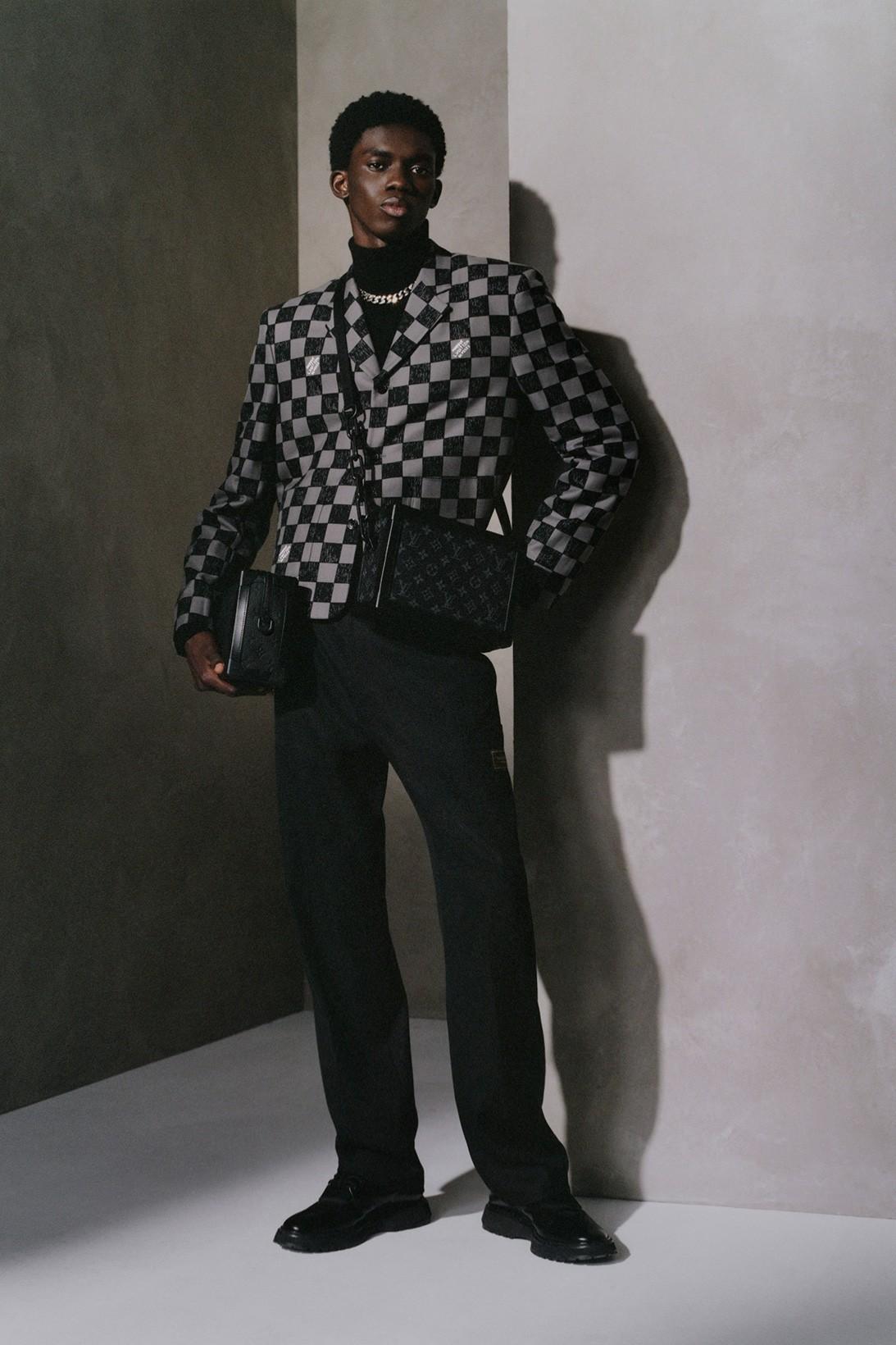 Louis Vuitton обновил классические модели сумок Christopher и Soft Trunk (фото 3)