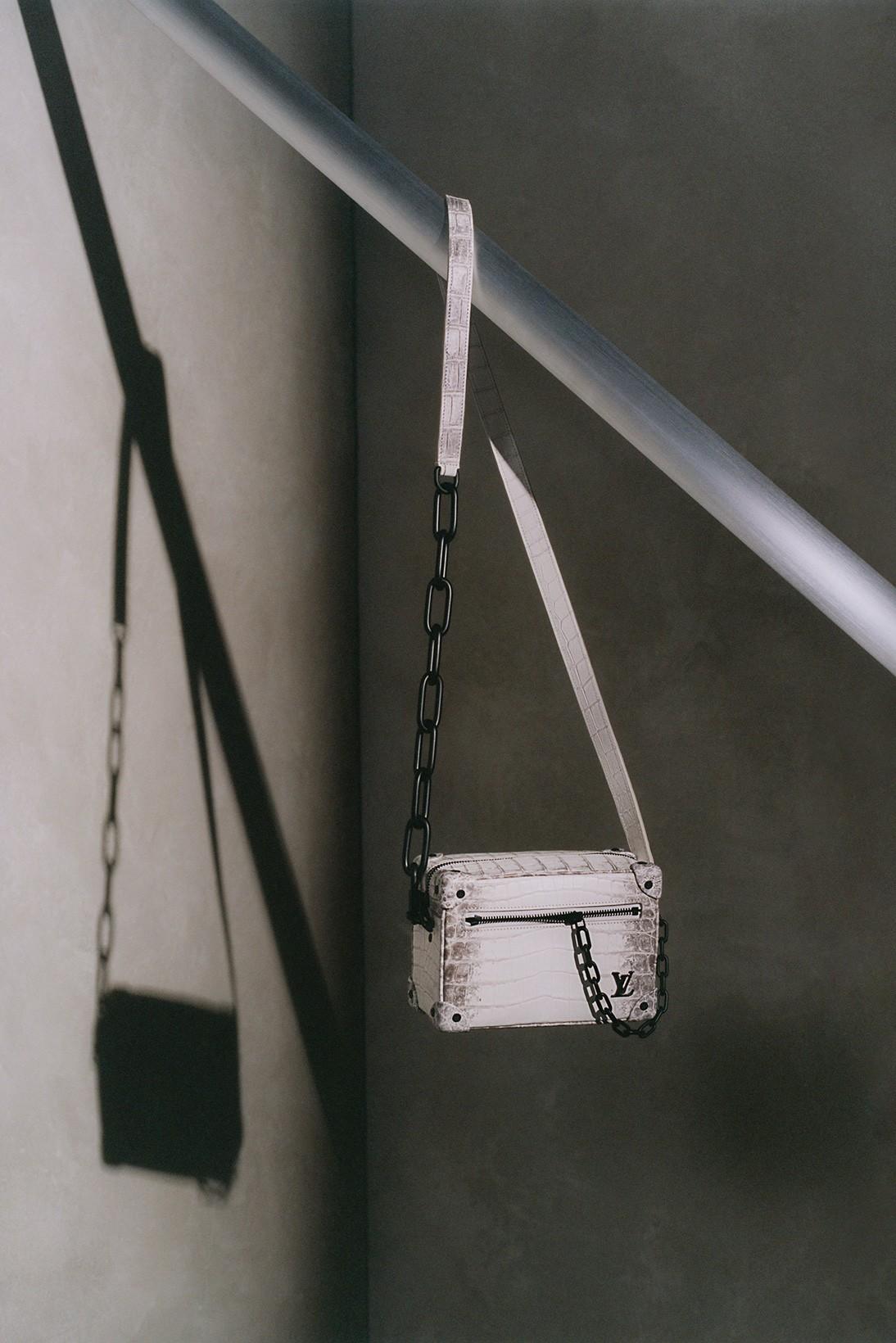Louis Vuitton обновил классические модели сумок Christopher и Soft Trunk (фото 8)