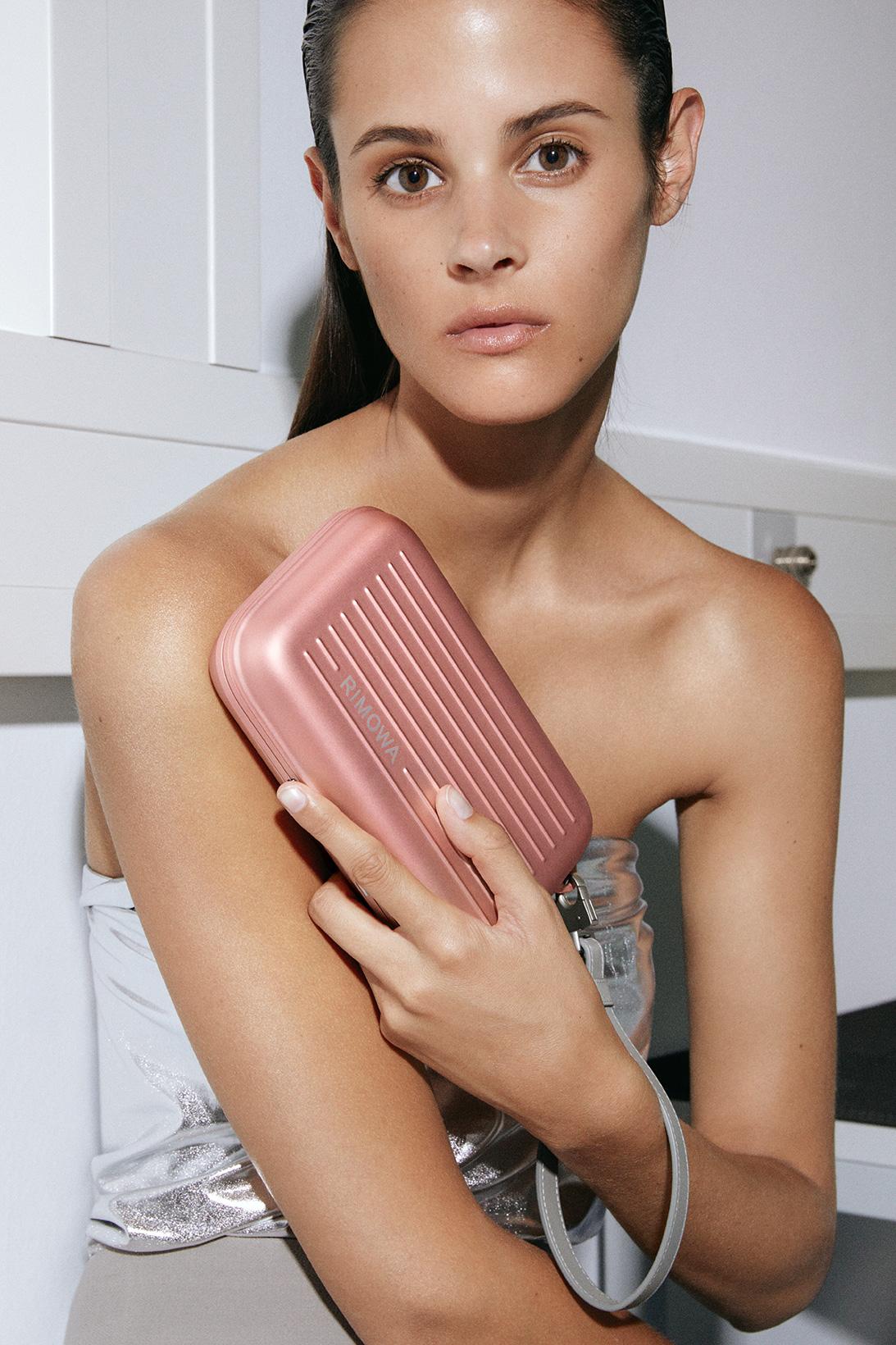 Rimowa выпустил новые унисекс-модели сумок (фото 7)