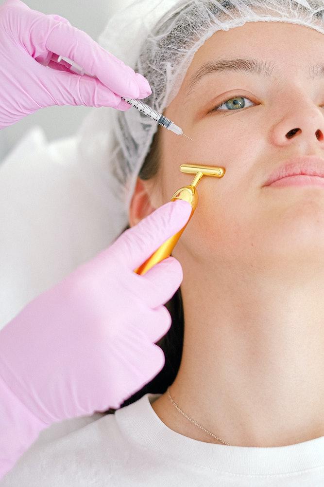 Плазмотерапия для лица и кожи головы: 8 главных вопросов (фото 4)