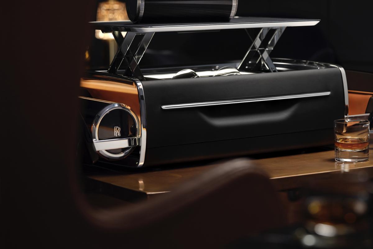 Rolls-Royce представил новый аксессуар из линии Connoisseur's Collection (фото 1)