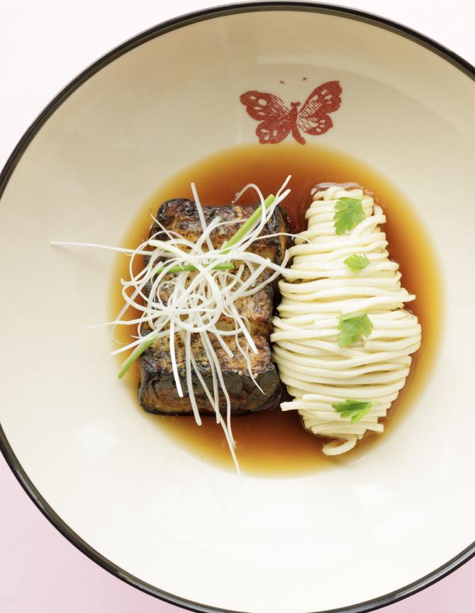 В Токио открывается ресторан Gucci (фото 1)
