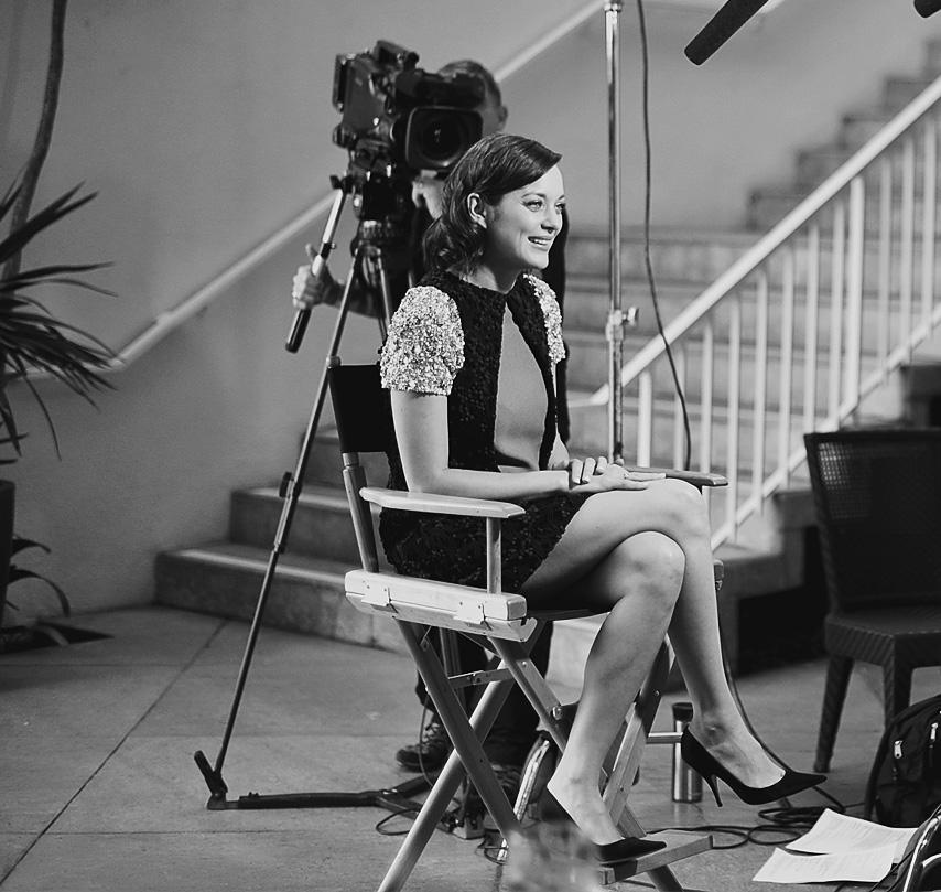 Эксклюзив Buro 24/7: Марион Котийяр о работе в Голливуде, жизни во Франции и платьях Dior (фото 1)