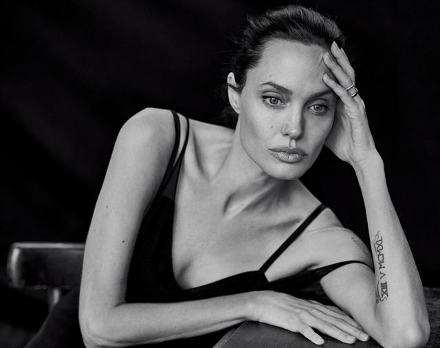 Для обложки WSJ.: Анджелина Джоли в объективе Питера Линдберга (фото 1)