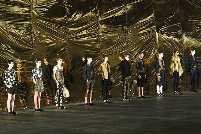 """""""Сенсациями"""" в моде сегодня становятся исключительно маркетинговые ходы, а не находки модельеров"""" (фото 8)"""