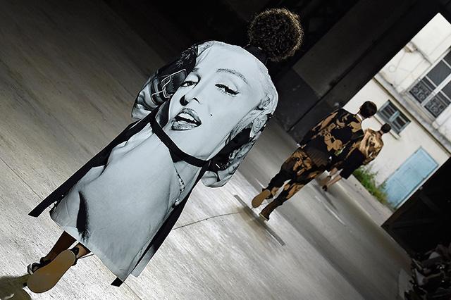 """""""Сенсациями"""" в моде сегодня становятся исключительно маркетинговые ходы, а не находки модельеров"""" (фото 11)"""