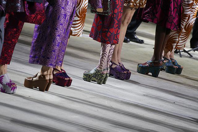 """""""Сенсациями"""" в моде сегодня становятся исключительно маркетинговые ходы, а не находки модельеров"""" (фото 10)"""